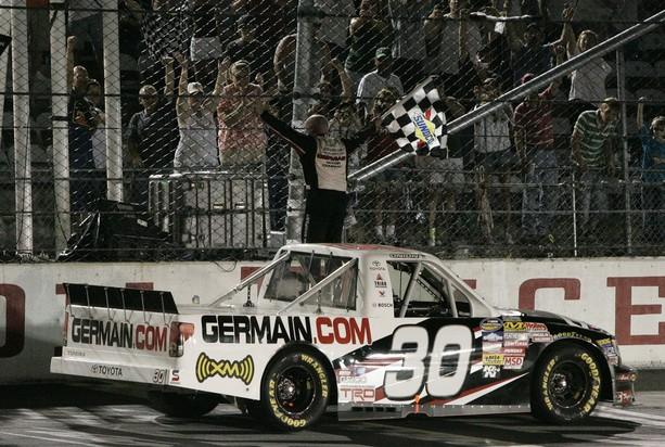 Bodine proves experience wins at Darlington